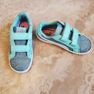 Puma girl's sneakers. Size 10C
